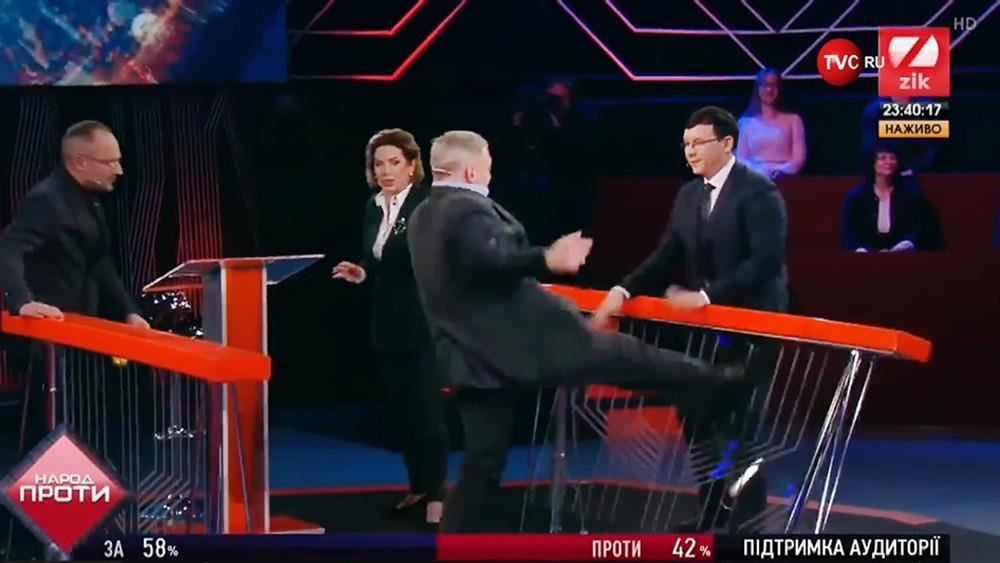 Конфликт во время ток-шоу на украинском телеканале ZIK