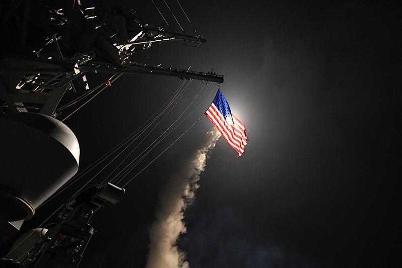 Пуск крылатой ракеты Tomahawk с борта корабля ВМС США