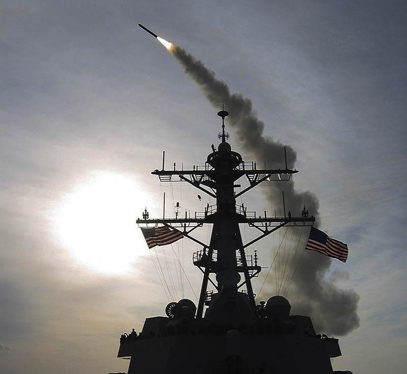 Пуск ракеты с корабля ВМС США