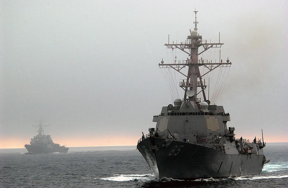 Ракетный эсминец USS McCampbell