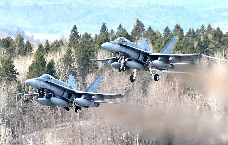 Истребители F/A-18 Hornet