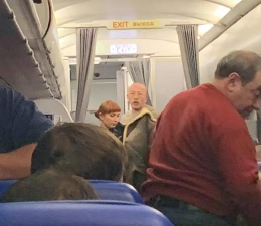 Александр Розенбаум спас жизнь пассажирке рейса Москва-Симферополь
