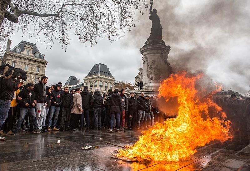 Акция протеста лицеистов в Париже