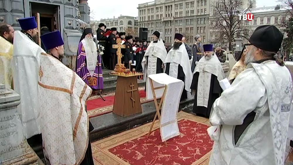 Молебен у памятника Гренадерам - героям Плевны