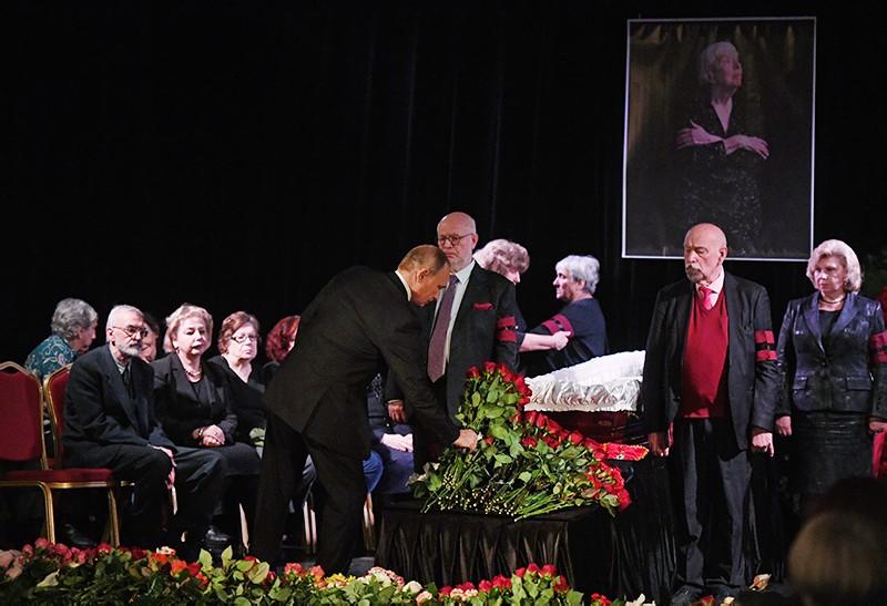 Владимир Путин на церемонии прощания с правозащитницей Людмилой Алексеевой