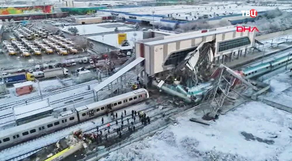 Последствия крушения поезда в Анкаре