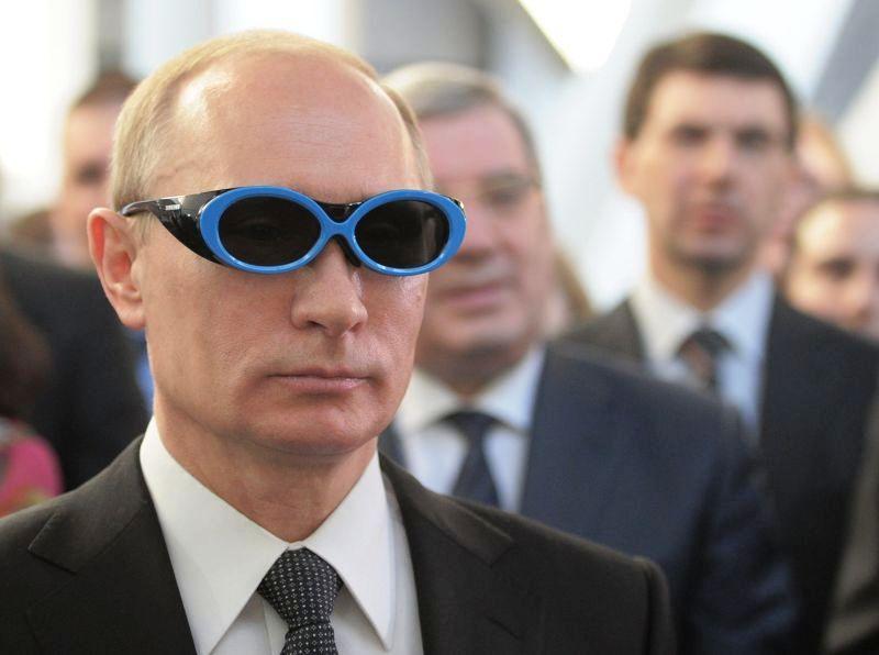 Владимир Путин во время посещения технопарка