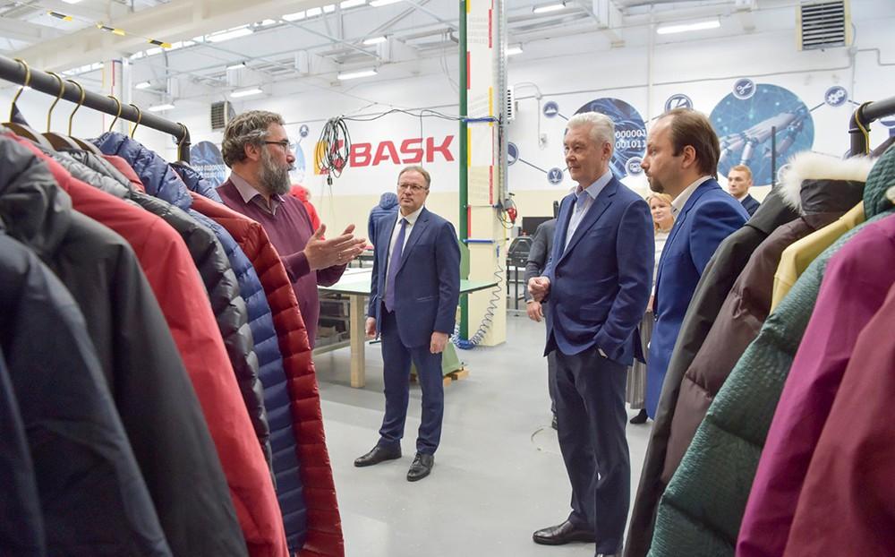 Сергей Собянин посетил предприятие по производсту одежды