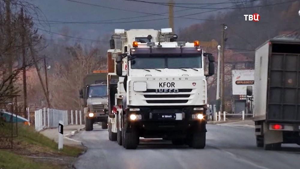 Военная техника на границе Сербии и Косова