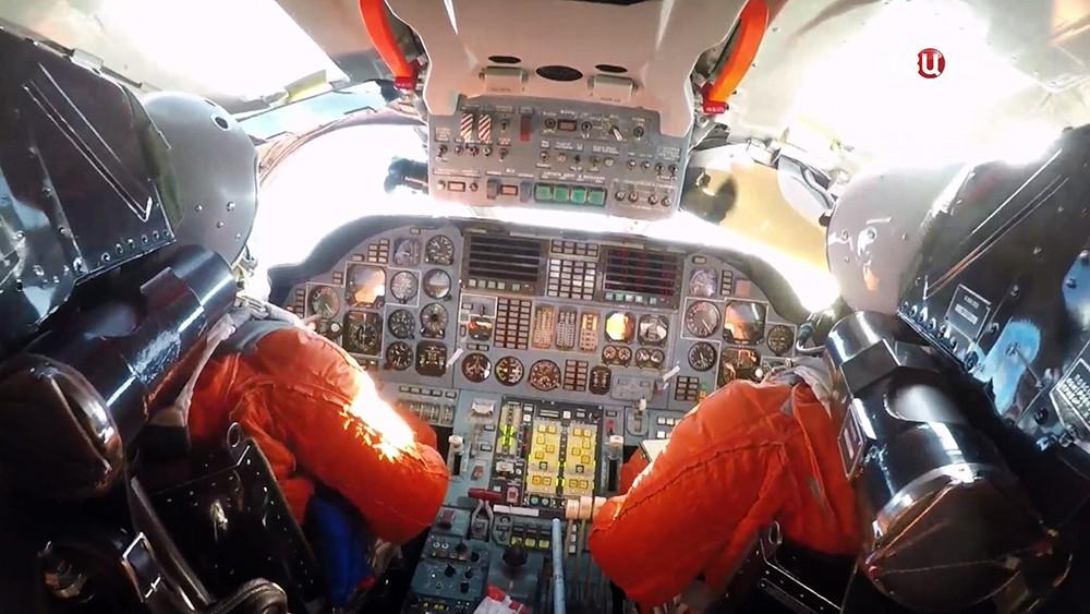 Пилоты стратегического бомбардировщика Ту-160
