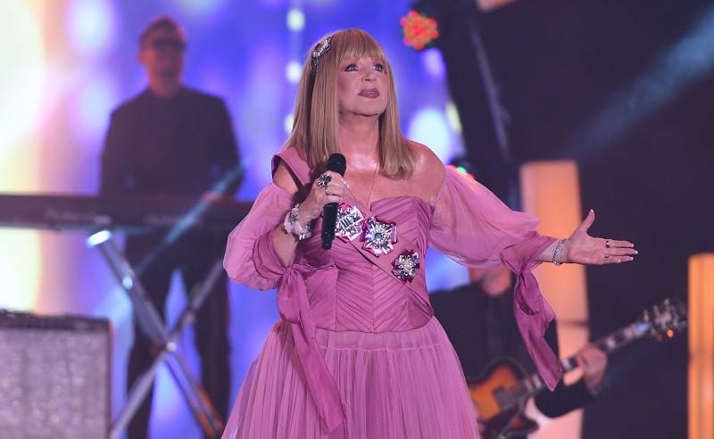 Алла Пугачева выступает на концерте