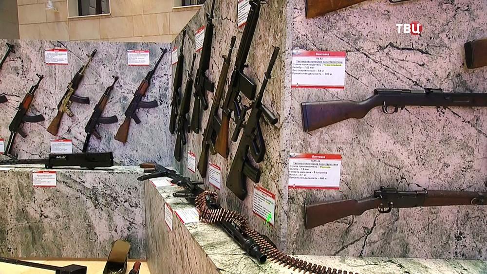 Изъятое у террористов в Сирии оружие