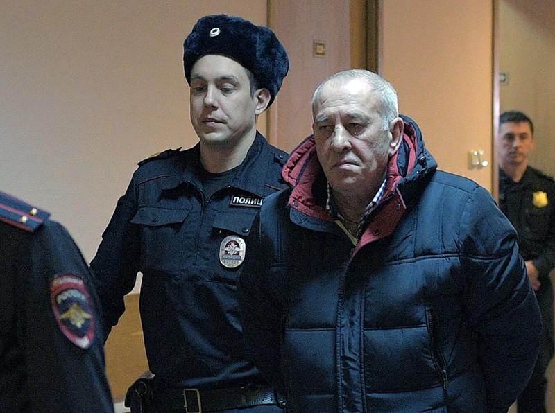 Виктор Тихонов (справа) в Дорогомиловском районном суде