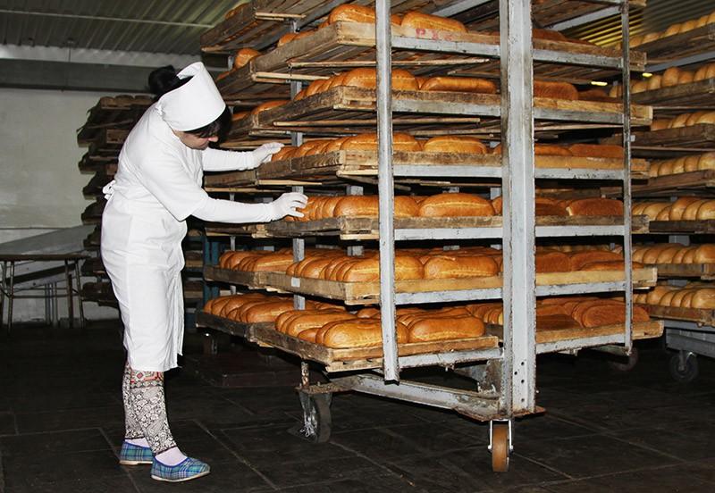 Сотрудница хлебзавода