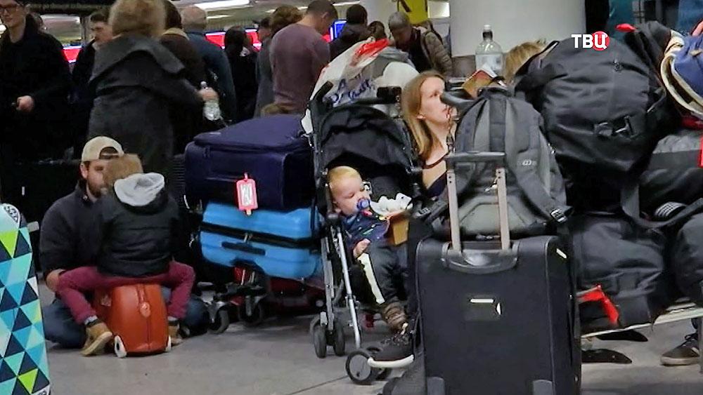 Задержка рейсов в аэропорте в Лондоне