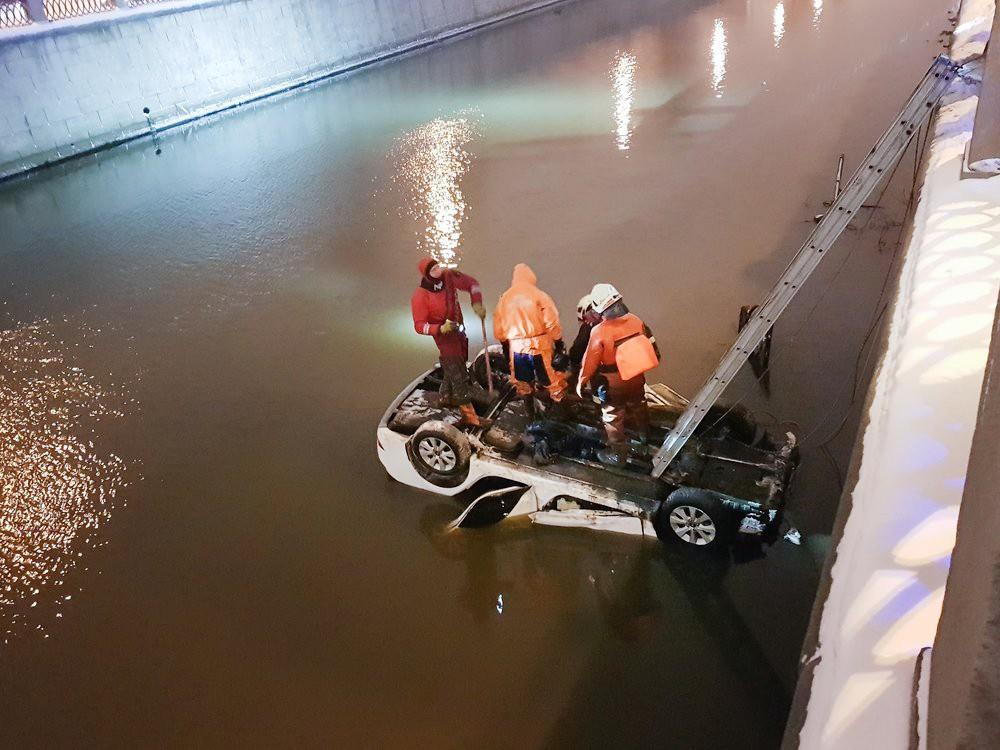 Последствия падения машины в реку