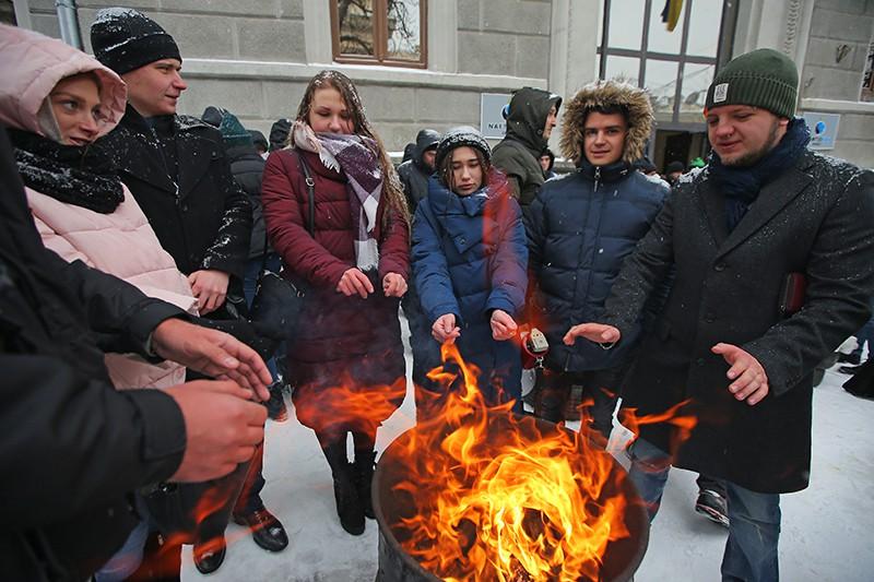 """Жители Украины проводят протестную акцию у здания компании """"Нафтогаз-Украина"""""""
