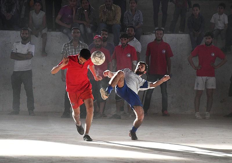 Сирия. Игроки во время футбольного матча
