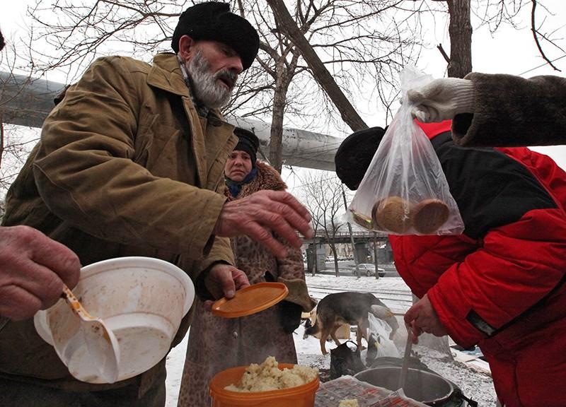 Лица без определенного места жительства получают горячие обеды