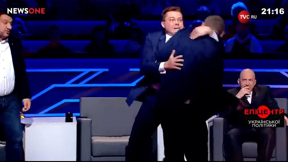 Драка украинских депутатов на ток-шоу