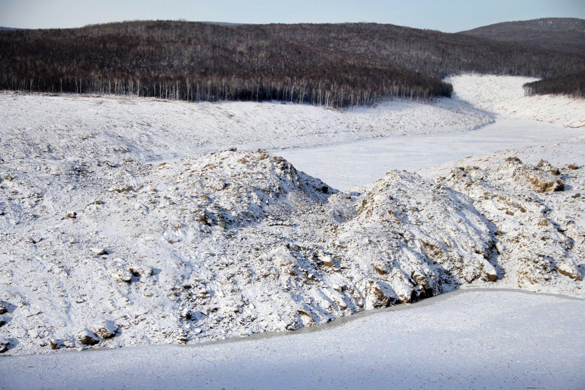 Последствия схода оползеня реке Бурея под Хабаровском
