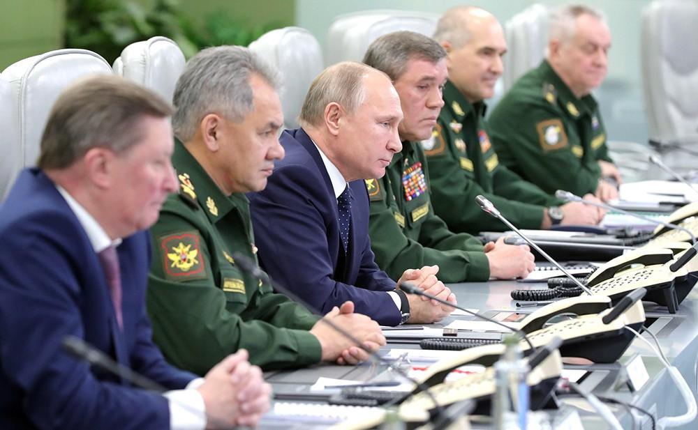 Владимир Путин в Национальном центре управления обороной РФ