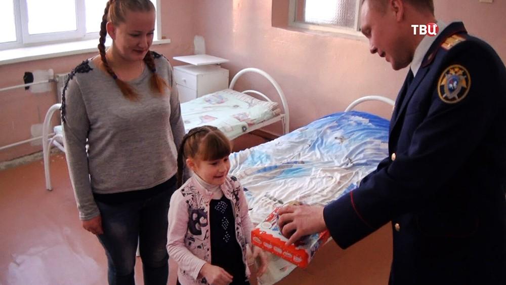 Спасенная из колодца под Красноярском девочка