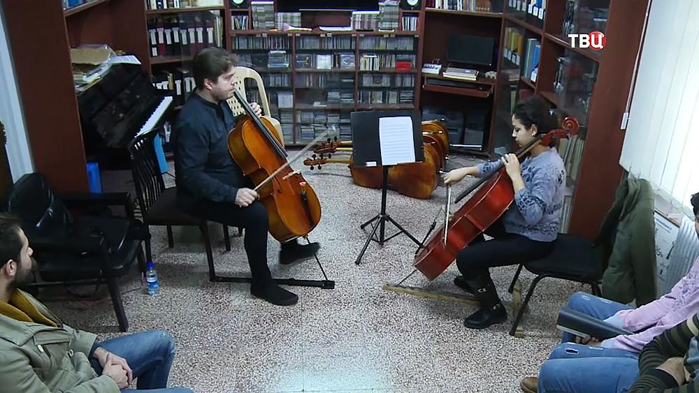 Российские музыканты дали уроки в Сирии