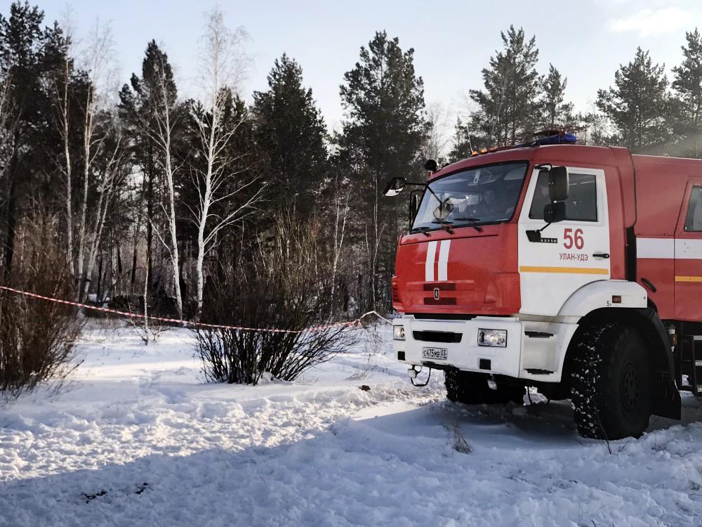 Пожарная машина МЧС Улан-Удэ на месте происшествия
