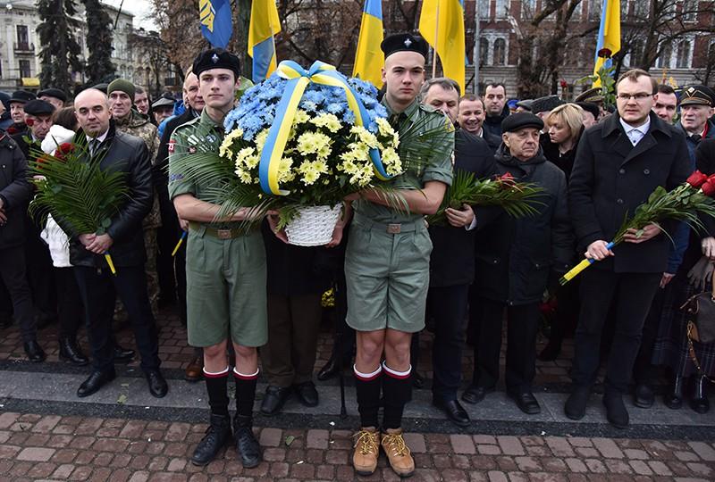 Участники марша националистов на Украине