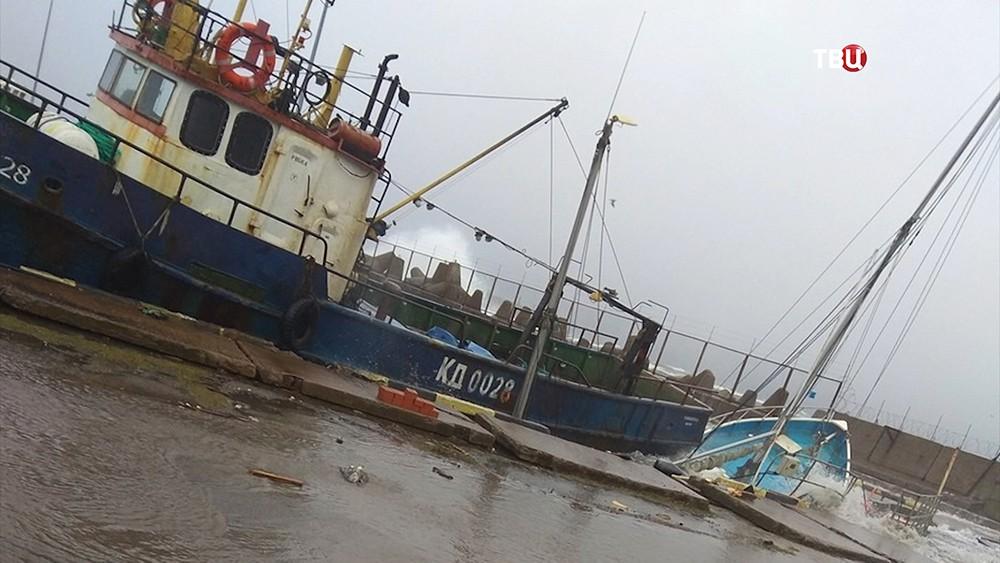 Затонувший корабль после шторма в Калининградской области