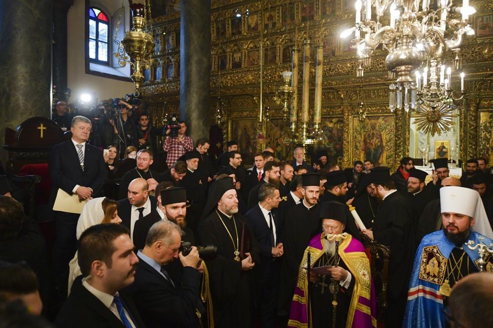 Пётр Порошенко, патриарх Варфоломей и глава новой Украинской церкви Епифаний