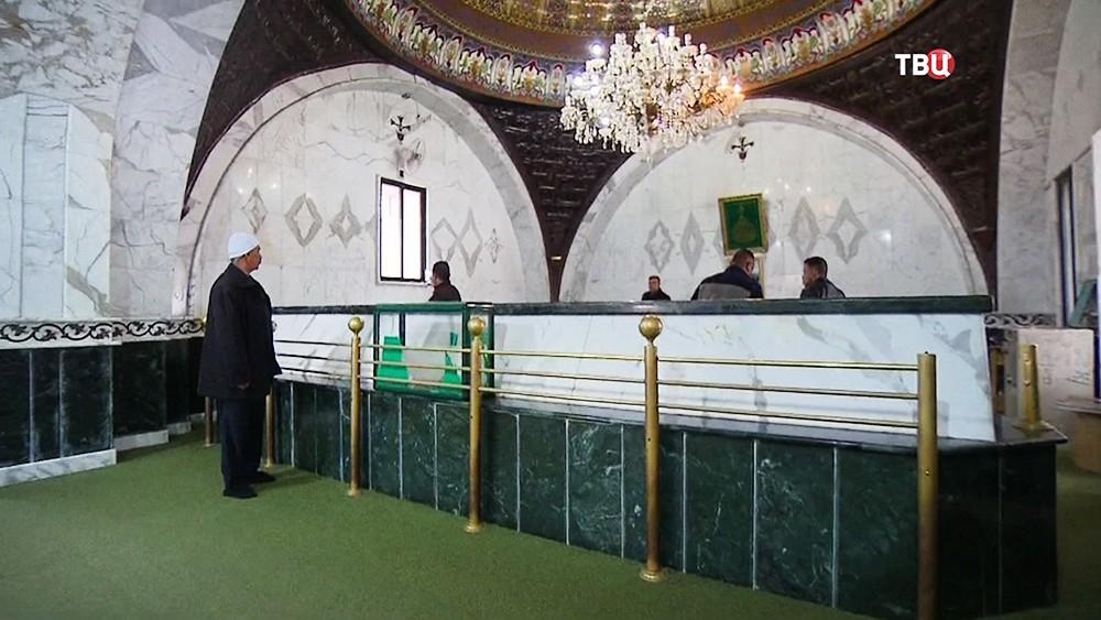 Гробница Авеля в мечети в Сирии