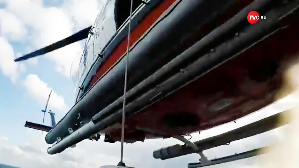 Спасение команды с затонувшего в Турции судна