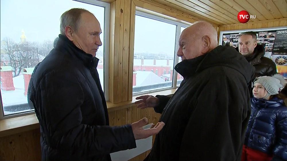 Владимир Путин и почётный строитель России Владимир Бендет