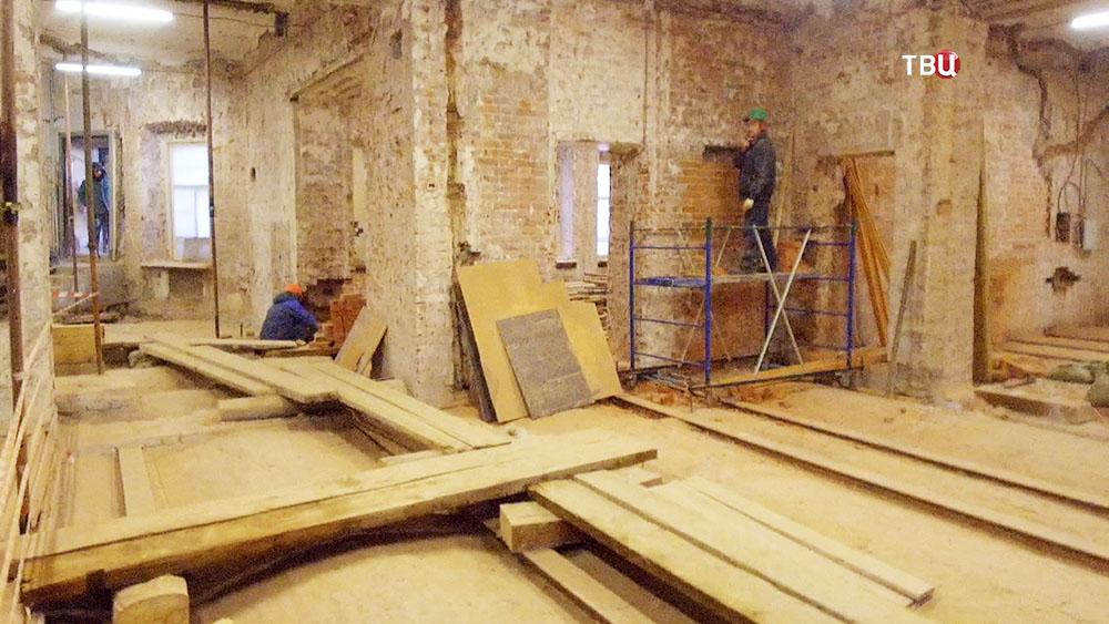 Реконструкция дома с атлантами на Солянке