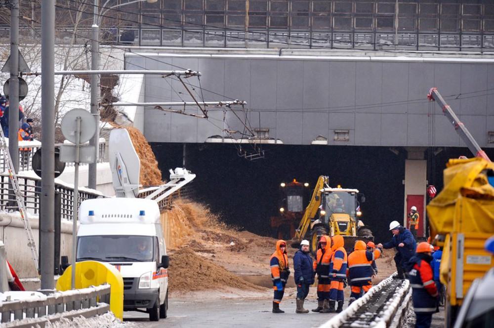 Аварийные службы работают на месте затопления Тушинского тоннеля