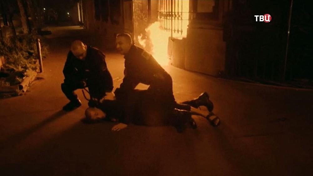 Полиция Франции задерживает Петра Павленского за поджог здание банка