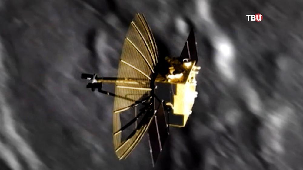 Китайский спутник облетает Луну