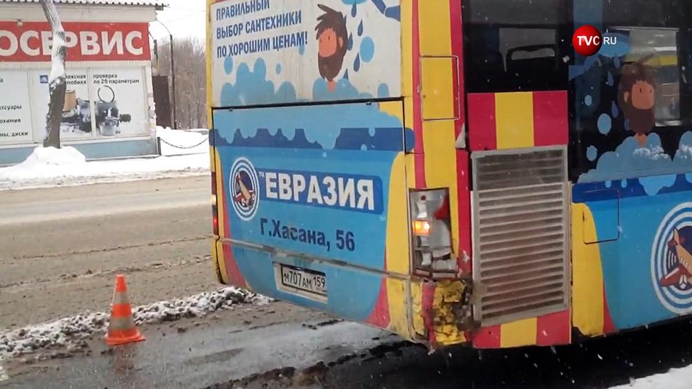 Автобус попал в ДТП в Перми