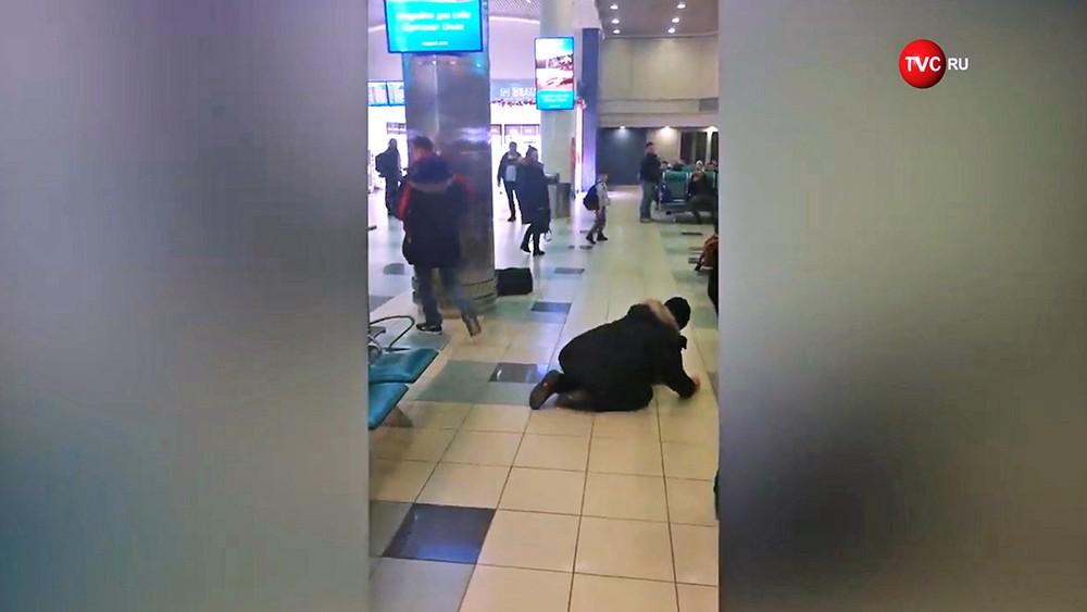 """Дебошир в аэропорту """"Домодедово"""""""