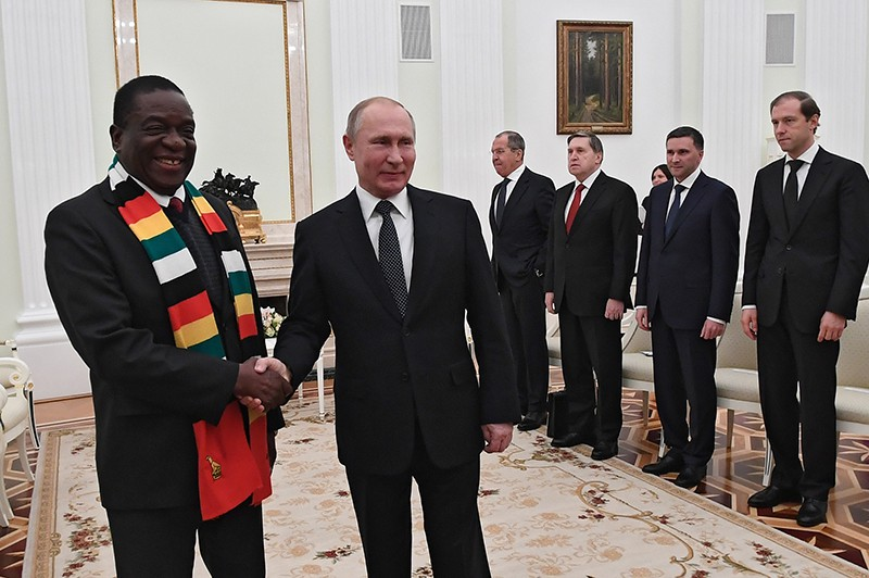 Президент России Владимир Путин и президент Республики Зимбабве Эммерсон Мнангагва