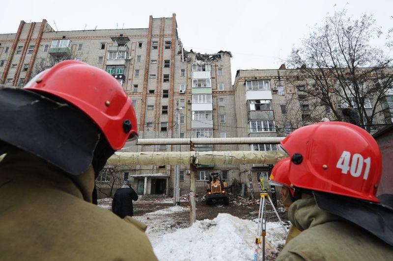 На месте обрушения жилого дома в городе Шахты