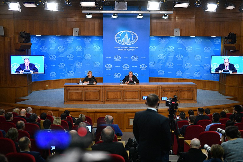 Пресс-конференция министра иностранных дел России Сергея Лаврова в Москве