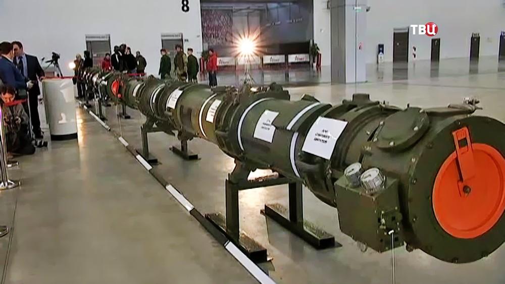 Ракета 9М729 в выставочном павильоне