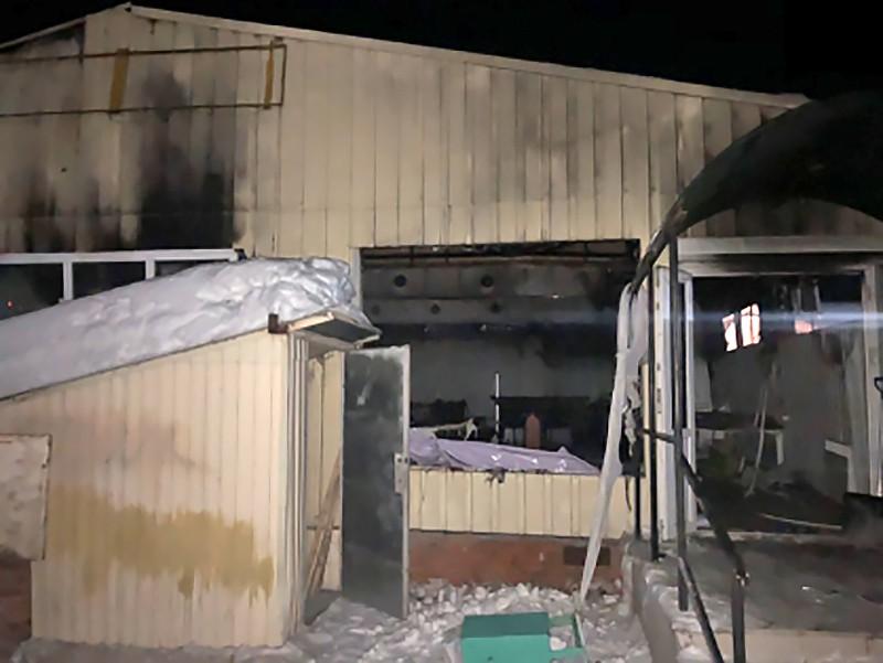 Последствия взрыва газового баллона в кафе в Саратовской области
