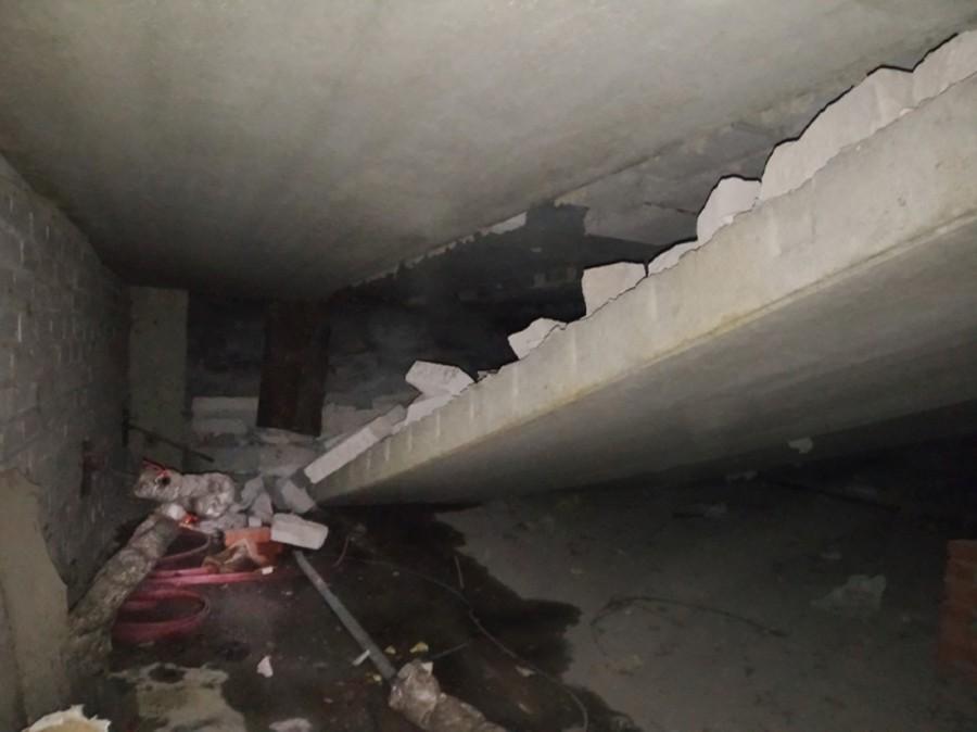 Последствия обрушения плиты в жилом доме