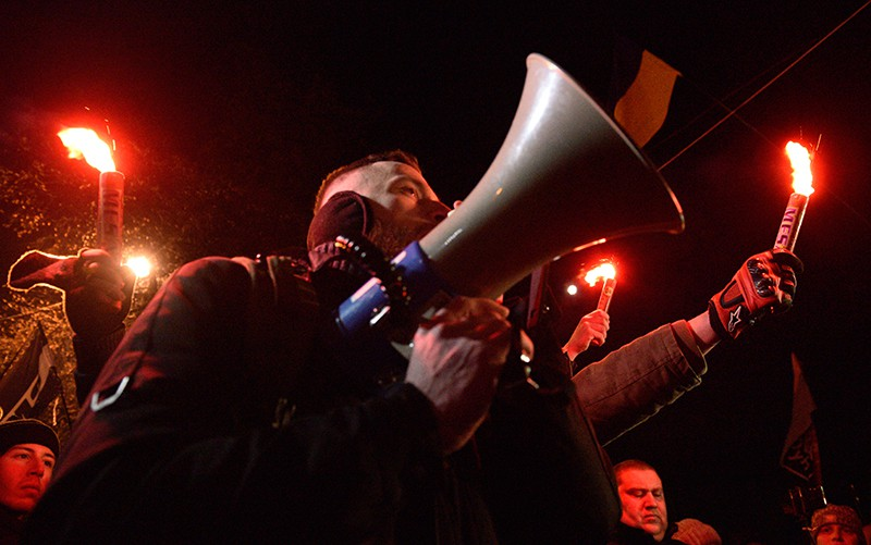 Участники факельного марша в Киеве