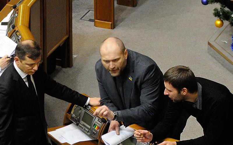 Борислав Береза, лидер Радикальной партии Олег Ляшко (справа налево)