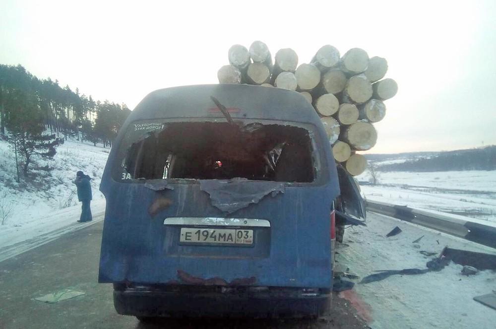 ДТП с лесовозом под Иркутском